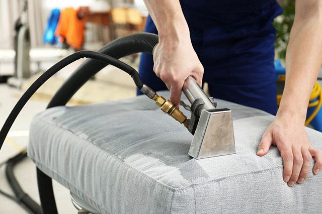 Stoffen Stoel Schoonmaken : Meubelreiniger aan huis stoffen bankstel reinigen